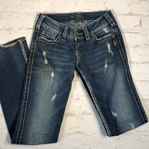 Silver Jeans. Distressed McKenzie style. Size 27